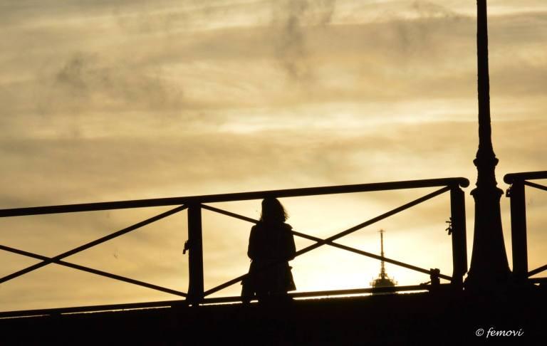 WAITING ON THE SEINE BY FERNANDO MOMPRADE