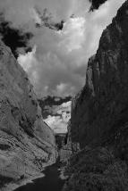 paso del Mont-rebei I by Miguel Ortega