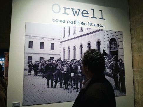 inauguracion-orwell-toma-cafe-en-huesca-victor-pardo-by-dominique-leyva-1