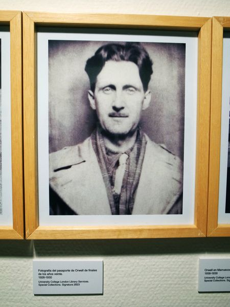 inauguracion-orwell-toma-cafe-en-huesca-victor-pardo-by-dominique-leyva-3