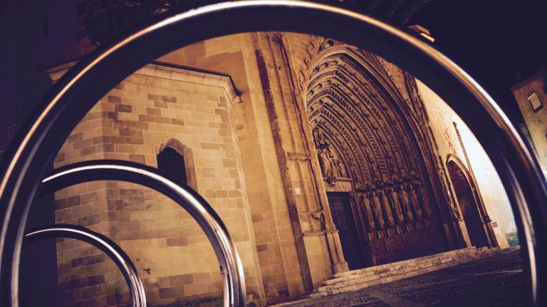 CATHEDRAL HOOPS BY ANTONIO VICEN