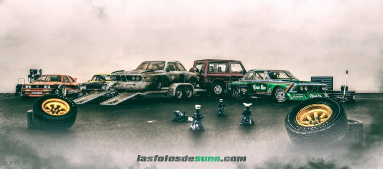 MEETING OF CARS SCALE 118 BY RAUL SUNN